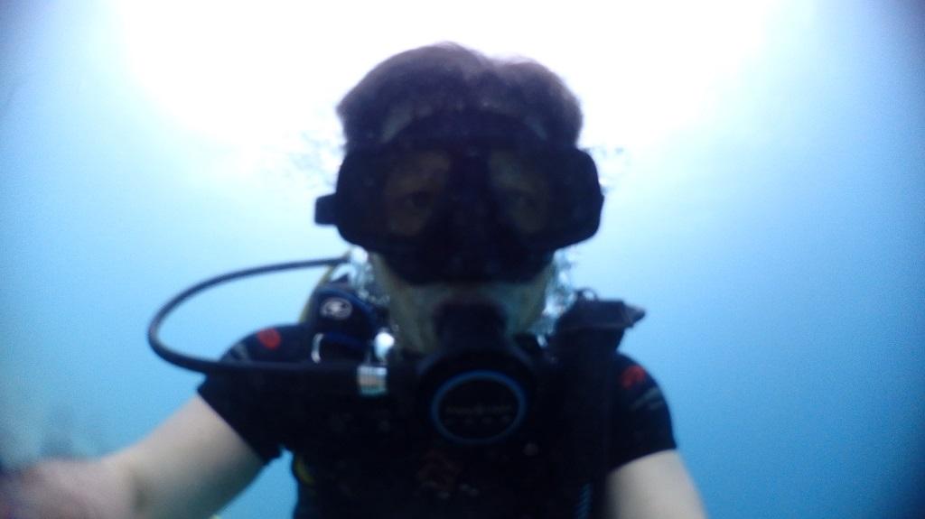 タイのパタヤ サメサン島でダイビング